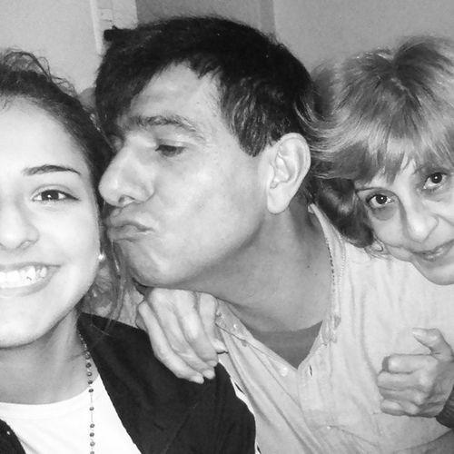 familia mis mejores amigos Ester laloca y Julito el milico.