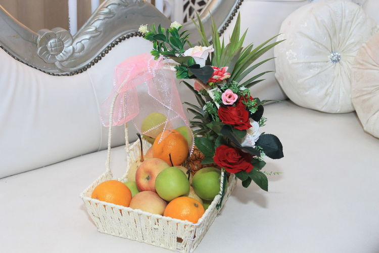 fruits decor from guests Flower Fruit Close-up Food And Drink Bouquet Flower Market Flower Shop Gerbera Daisy Tulip Flower Arrangement Prepared Food Pastel Colored Bunch Of Flowers Peony  Pastry Served Wicker Rose - Flower Centerpiece Vase Bride Wedding Dress Rosé