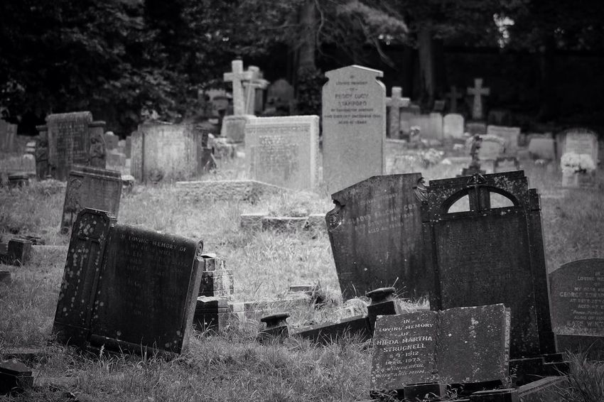 No Property No People Cemetery Tombstone Graveyard Memorial Gravestone Grave Outdoors Day South West London Burial Ground Canonphotography Churchyard Graveyard Beauty Creative Photography Black & White Canon