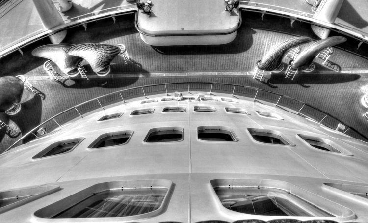 B&W Collection Decklife Directly Above Queen Mary 2 Transportation
