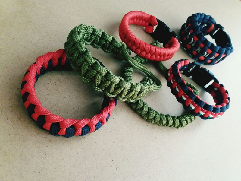 Paracord Bracelet Paracord Home-made Samsungj5photography📱 Samsungphotography Myphoto Colorful Bracelets- Handmade Braceletsformen Bracelete Handmade For You Handmade For You Handmade For You