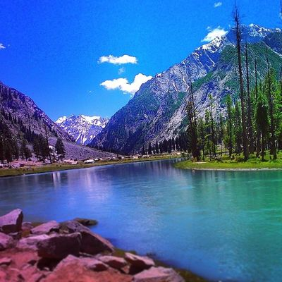 Beautiful Mahodand Lake Swat Valley pakistan naturelovers nature landscape instanature trees mountains snow peaks escapists paradise