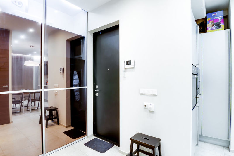 Modern Indoors  Entrance Door Home Interior White Color Absence Domestic Room Furniture No People Empty Home Architecture Household Equipment Flooring Lighting Equipment Kitchen Appliance Illuminated Wall - Building Feature Luxury Clean Tiled Floor
