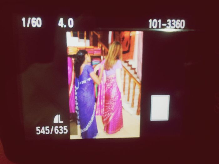 Silkfactory Sri Lanka Sari Getting Dressed Traveling