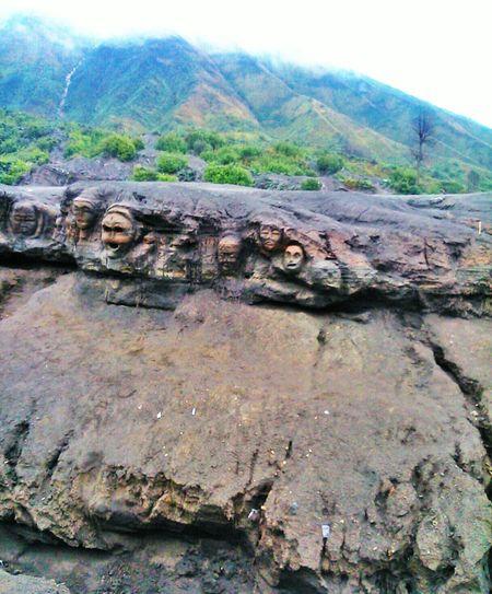 Gambar tengkorak yang ada di Bromo. Walking Around Camping Hello World EyeEm Indonesia Hanging Out Nature Bromo Mountain