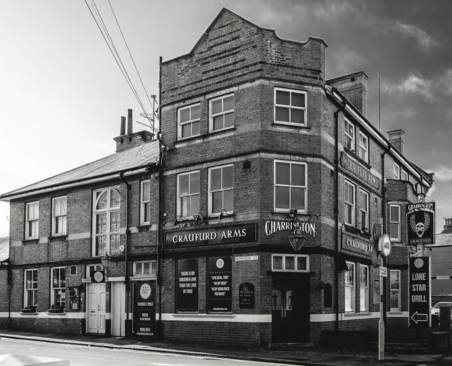 The Craufurd Arms, Stratford Road, Wolverton, Buckinghamshire Buckinghamshire Wolverton Black And White FUJIFILM X-T10 Architecture Monochrome Pubs Buckinghamshire Pubs