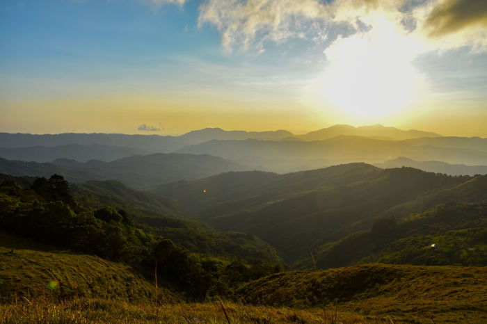 Mountain sunset Costa Rica Costa Rica Sunset Costa Rica Y Su Naturaleza Costa Rica❤ EyeEm Nature Lover EyeEm Sunset Mountain Mountain Sunset Mountain View Perspectives On Nature See The Light