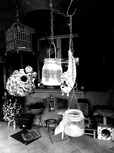 Cellphone Photography Cellclick CellCaptuers Chez Moi Cellphonephotography Blak And White Iletaitunefois Hanging Indoors