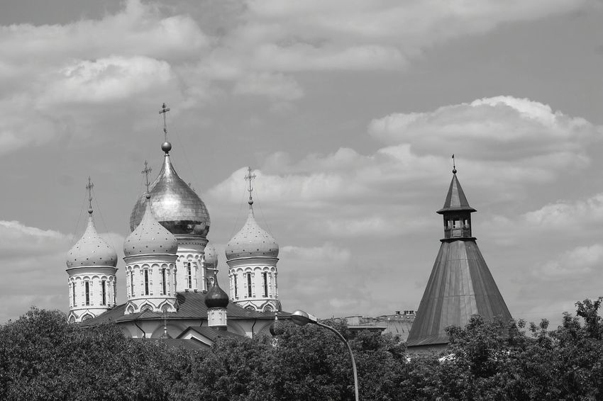 Moscow Moscow, Russia Moscow City Life Love City Orthodox Switchus Switch Swetch Orthodoxy Orthodox Church Black And White Beauty In Nature Life Blue Sky Streetphotography Only Women Nature Sky City Day