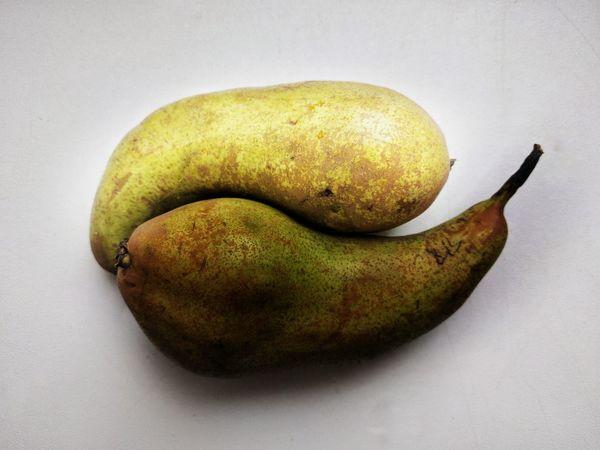 Yin and yang Fruit Healthy Eating Studio Shot Pear Close-up Food Yin & Yang Yin And Yang Symbol Symbolic  Philosophy Of Life