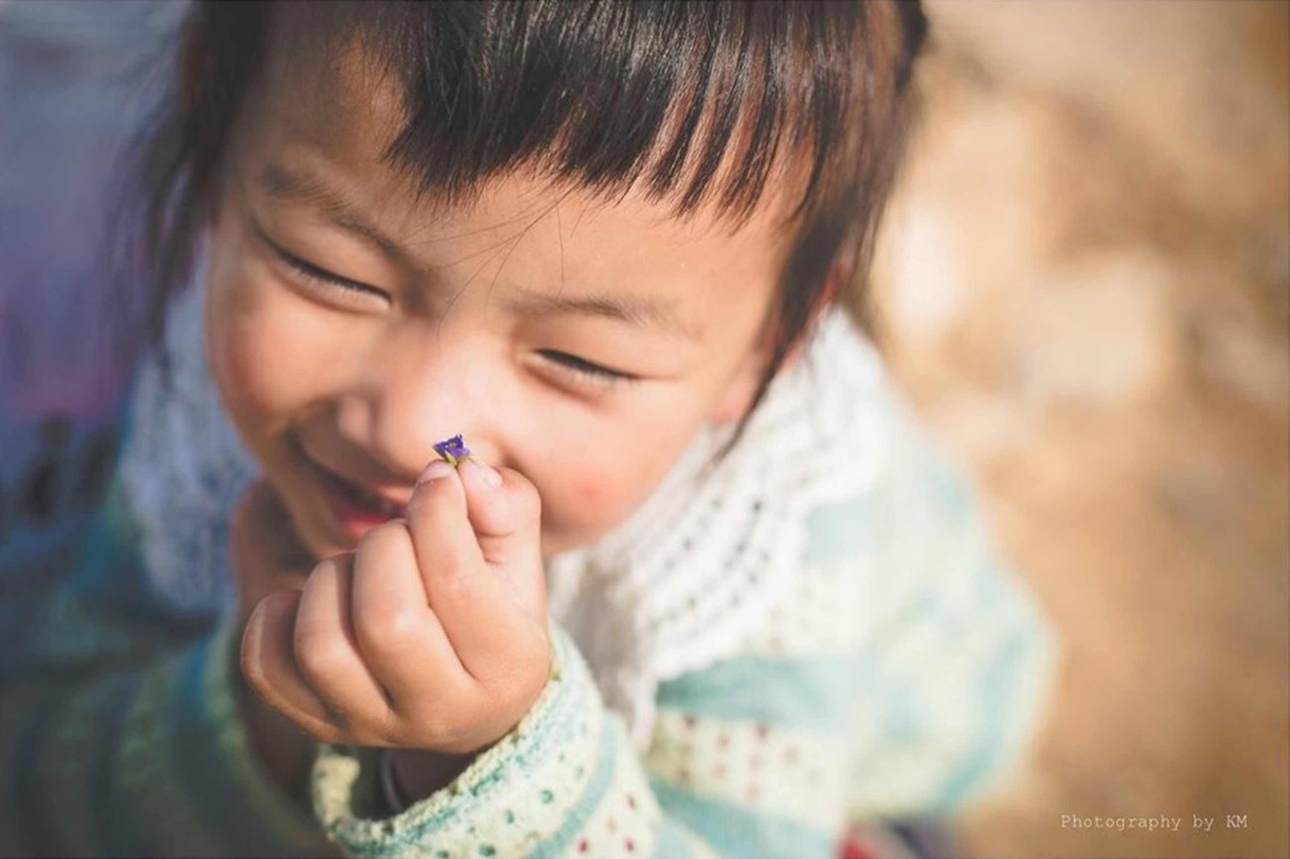 childhood, indoors, innocence, elementary age, person, lifestyles, cute, girls, headshot, focus on foreground, boys, leisure activity, close-up, casual clothing, front view, baby, toddler, babyhood