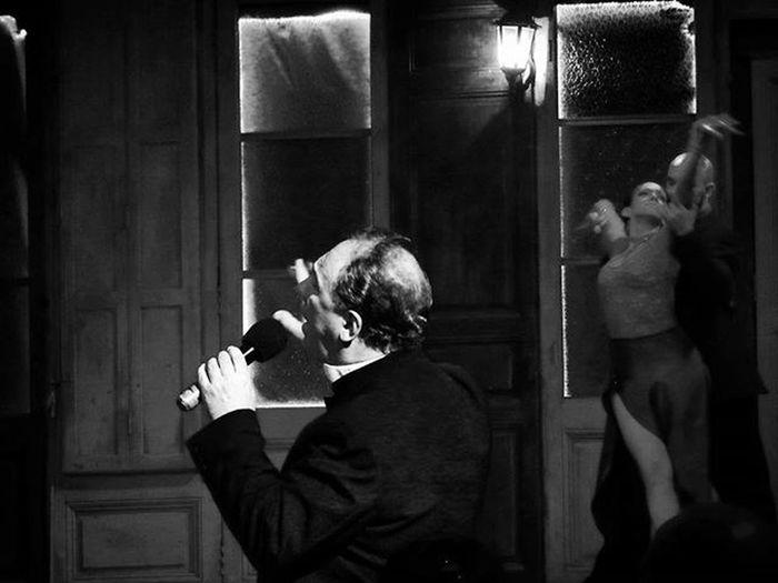 """""""Uno va arrastrándose entre espinas y en su afán de dar amor, sufre y se destroza hasta entender, que uno se ha quedao' sin corazón"""" UNO Tango Arte Art Artcamera Singer  Cantor Dancers Music Escenariosdelmundo Stage Audiovisualuruguay Audiovisualuruguay_byn Uruguayestrella Uruguayst_america2 Igersuruguay Portadaigers Bnw Bnw_captures Amateurs_shot Amateurs_bnw Bnw Photography Bnw_planet Fotografosuy Bnw_demand thisisamerica"""