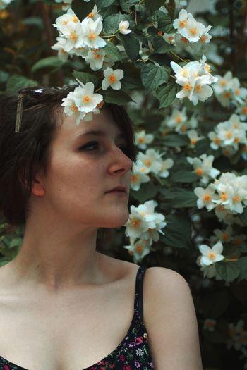 The Modern Professional Flower Head Flower Young Women Beautiful Woman Bride Beauty Laurel Wreath Portrait Females Beautiful People