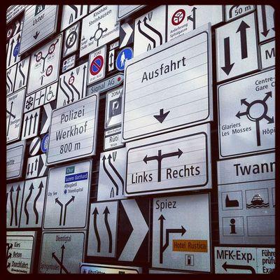 #strasse #schilder #strassenschild #ausfahrt #luzern #verkehrshaus Signs Traffic Luzern Schilder Sign Suisse  Schweiz Verkehr Strasse Ausfahrt Verkehrshaus Svizzera Strassenschild Traffico