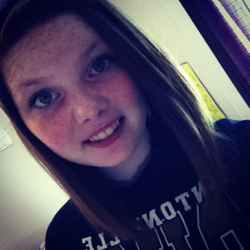 If all guys care about look he ain't the man for you! HonestyIsTheBestPolicy Thetruthhurts ImNotPerfect Imstillakidinside 17yearsold Singlelife  Singlelifeee.(;