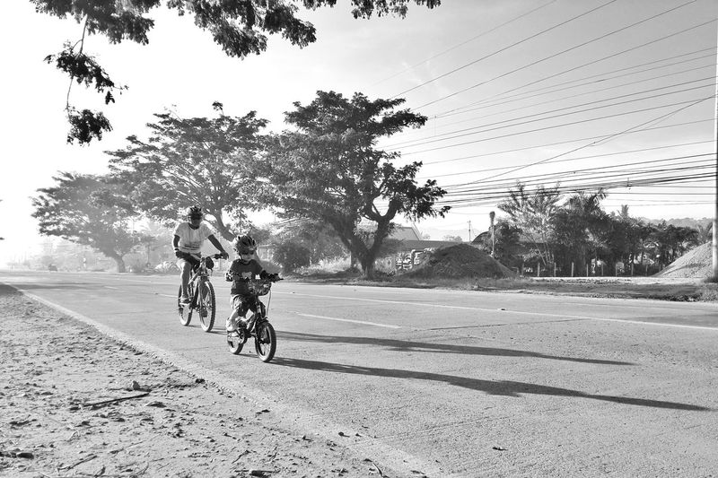 CyclingUnites Be Fitness, Be HYDRAted . Bicycle Cycling Riding Healthy Lifestyle Sportsman Togetherness Outdoors Street Photography EyeemPhilippines Streetfashion EyeEm Gallery Xperia X Eyeemphotography Eyeemphoto EyeEm Best Edits EyeEmBestPics EyeemPhotos Mobile Photography Monochrome Photography Xperiax SONYXPERIAX Morning Glory Morning