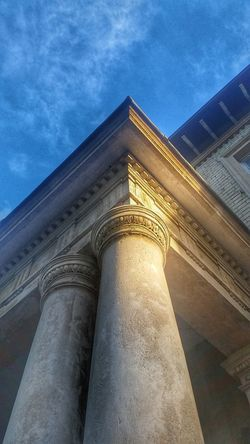 Pórtico Dentils Egg And Dart Architectural Detail Architecture Stone Column Columns Blue Sky Angles Oaklands Urban Geometry Ionic Entablature Chelmsford Pattern Pieces Architectural Elements