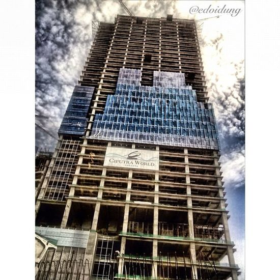 Selamat siang jekardaaahhhh... Iphonesia Gangbeer Instago Istrie streetphotography building underconstruction hdriphoneography hdri