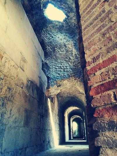 ancient Gamesofthrones Shadows & Lights Built Structure Indoors  Day History No People Close-up Architecture Arch The Way Forward Indoors  Building Exterior