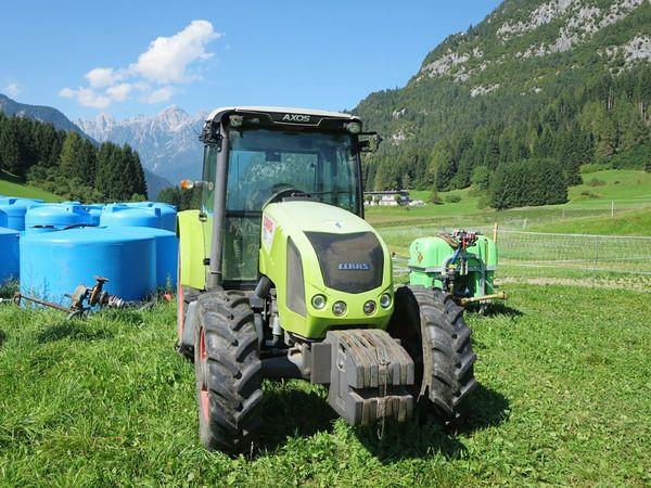 Claas Italy Trattori Cadore Cielo Montagna Agricoltura