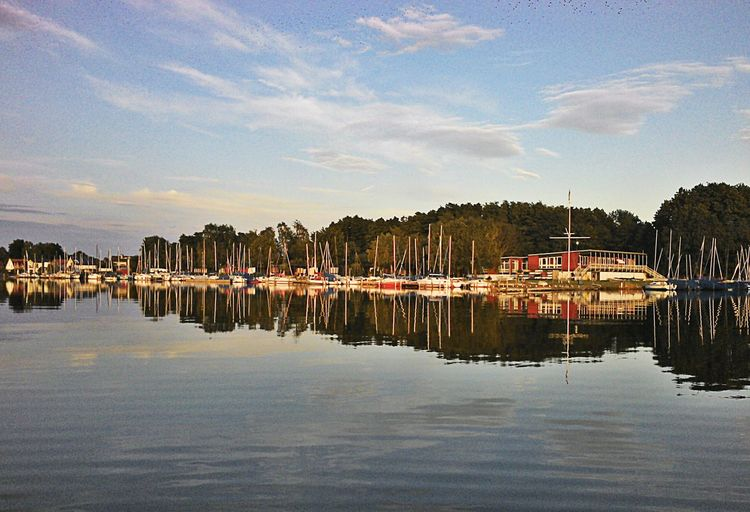 Steinhude-am-meer.de - Dein Meer-Foto Yachtclubostenmeer Enjoying The Sun Germany
