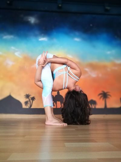 Yoga Yogagirl Yogalife Yogalove Yogapose Yogachallenge Yogaeverywhere Yogalover Yogapractice Yogainspiration Fit Fitness Fitnessgirl Goodvibes Activewear Only Women Mid Adult Adult Dancer People One Woman Only One Person Adults Only Sport Women Day Full Length Young Adult Flexibility