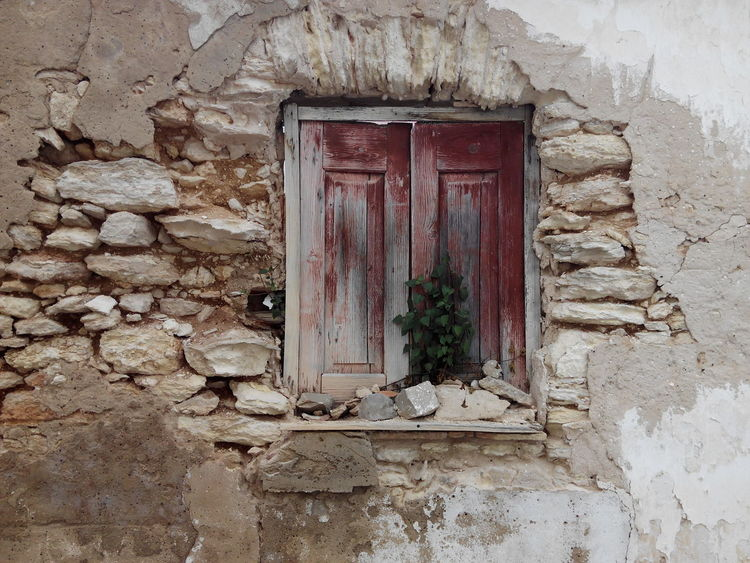 Window House Architecture Built Structure Day No People Close-up Outdoors Ruins View Ruined Buildings Ruins Of Building Ruins Of A Past Ruinas Ruins_photography Ruine Ruins Architecture Ruined Building Ruins Relaxing Ruined Ruins Still Beautiful History Door Architecture Ruins Snapshot