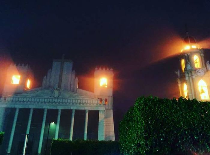 Templo del señor del perdon zapotiltic jal. Rodeado de neblina. Zapotiltic Jalisco Niebla Luz Y Sombra  Templo Del Señor Del Perdon Zapotiltic