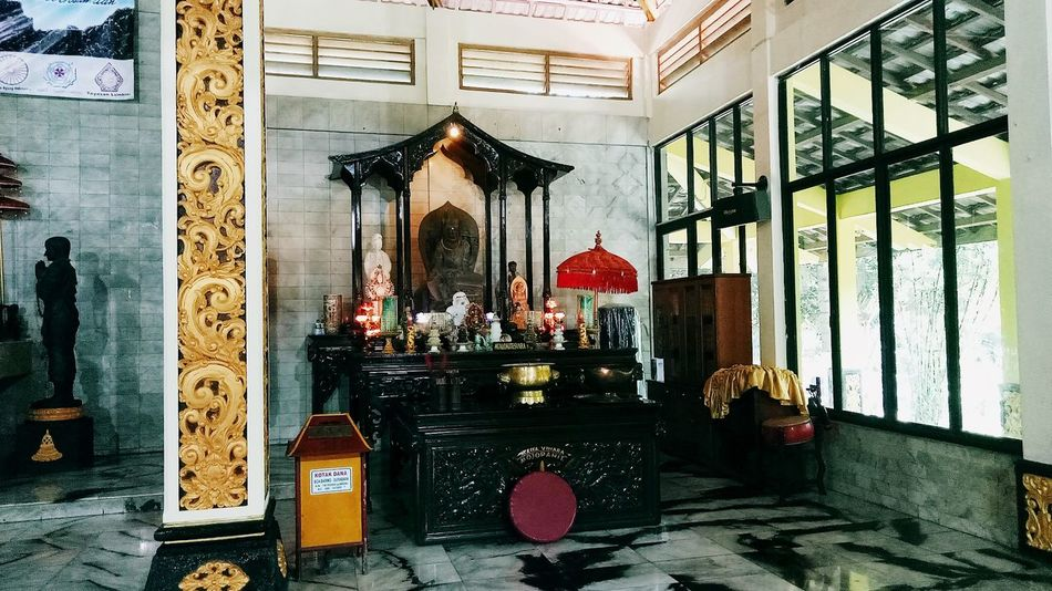Indoors  No People Built Structure Day Architecture Follow Me :) FollowMeOnInstagram INDONESIA Followback Followme Beauty In Nature Low Angle View Vacations Tree Indonesia_photography Photooftheday Buddha Temple Indonesia Culture Sky Followmefollowback First Eyeem Photo Iphonephotography