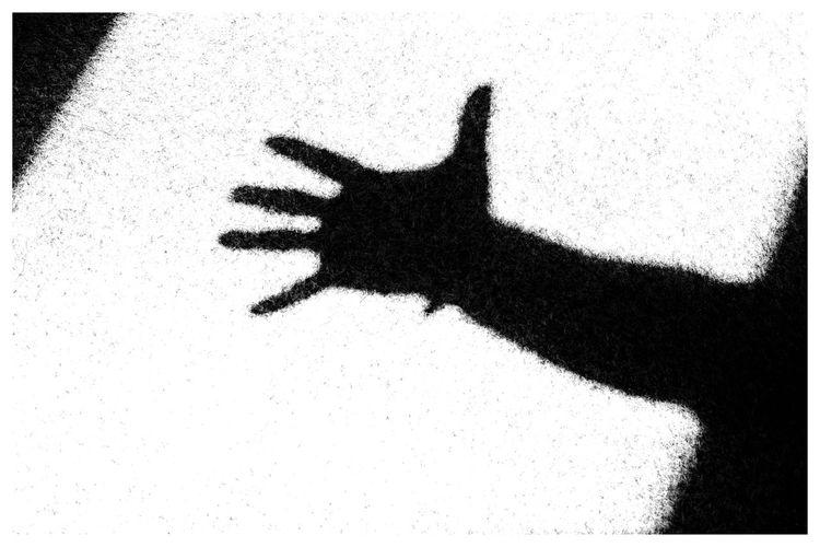 Shadow hand Blackandwhite Blackandwhite Photography Blackandwhitephotography Black And White Black And White Photography EyeEm Best Shots - Black + White Human Hand Shadow Close-up Focus On Shadow