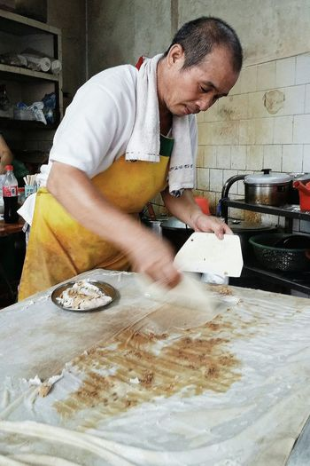 The making of Rice Noodle Rolls Cantonese Food Breakfast Jiangmen Guangdong China Travelphotography Streetphotography