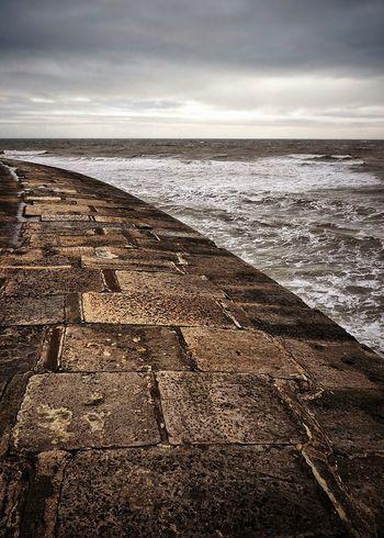 The Cobb Lyme Regis Sea Waves Pier Break Water Harbour Wall England🇬🇧 Great Britain Uk Dorset Coast