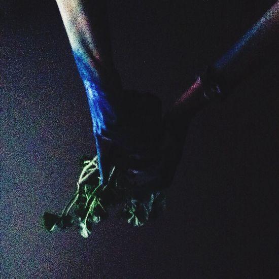 руки цветок  моиa:и #странные #фото ]