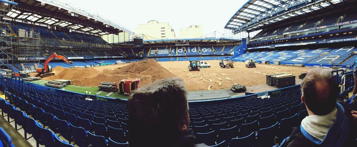Petit tour à Stamford Bridge avec la team?❤️