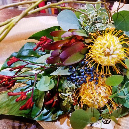 Flowers Flower Flor 花 Bouquet Ramo 花束 Leaf Hojas 葉 Happy Birthday Feline Companions 誕生日おめでとう Nature Naturaleza 自然 Japan Japon 日本 Natural Flower Dear Mom Para La Mamá お母さんへ お母さんの誕生日は花束を『貴女が居なかったら私は存在してません。生まれてきてくれてありがとう。お母さん歴35年。これからも宜しくね。』2016 Nov 8th