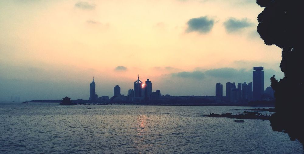 Sunset Buildings Skyline Harbor Yellow Sea Shandong Province