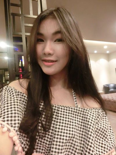 Still last three days. Haha cuz i have many pictures in that time that's why i just release one or two pictures per day. Do not blem me na. ^^ Last Sunday Night Just Hang Out  At U-Bar Khon Kaen