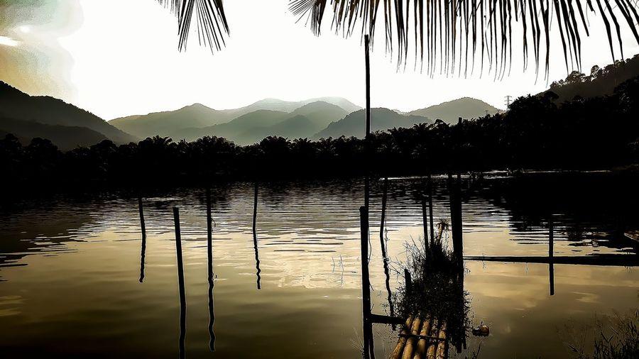 lake silhouate