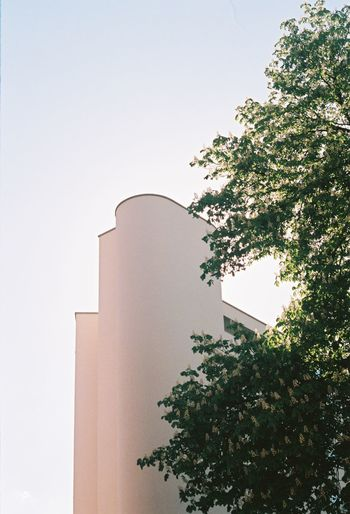 Nature Architecture Building Building Exterior Day Minimalism No People Outdoors Sky Sparse Architecture Sunlight Tree