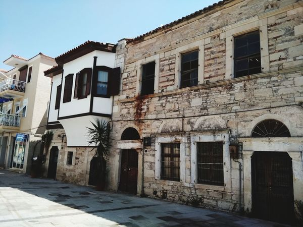 Foça 2017 Oldbuilding Oldiesbutgoldies Foca Izmir Elmasurat Architecture Built Structure Window Building Exterior No People Day Sky Outdoors City