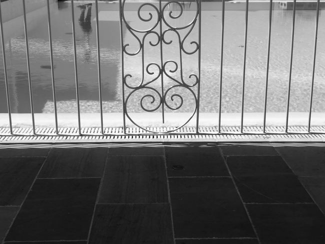 Metal No People Day Indoors  Blackandwhitephotography Black And White Photography Blackandwhite Photography Tranquility Italia Italy🇮🇹 No Filter No Filter, No Photoshop Outdoors Water Pool Poolside