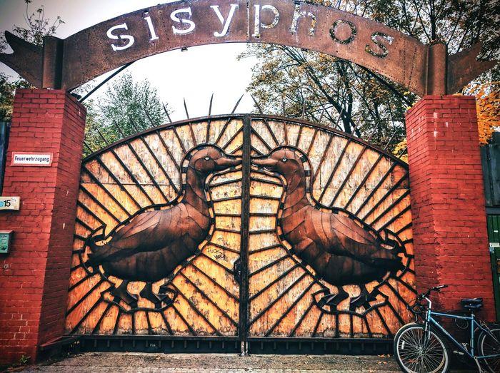 Sisyphos Love Sunrise Berlin