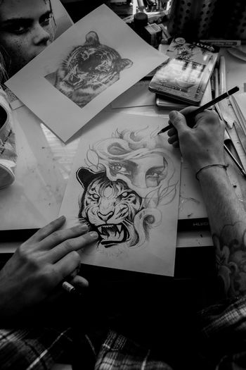 Tattoo-artist's soul Blackandwhite Drawing EyeEm Best Shots EyeEm Gallery EyeEmNewHere Hand Human Human Hand Photography Tattoartist Tattoo Tiger