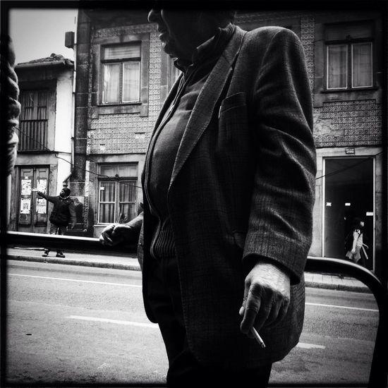 Streetphotography Notes From The Underground NEM Poets ...The Plæce Øf Dæd Rœds...