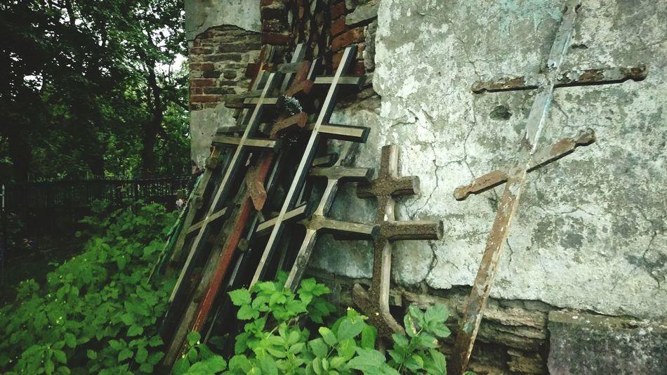 Старое кладбище кладбище кресты