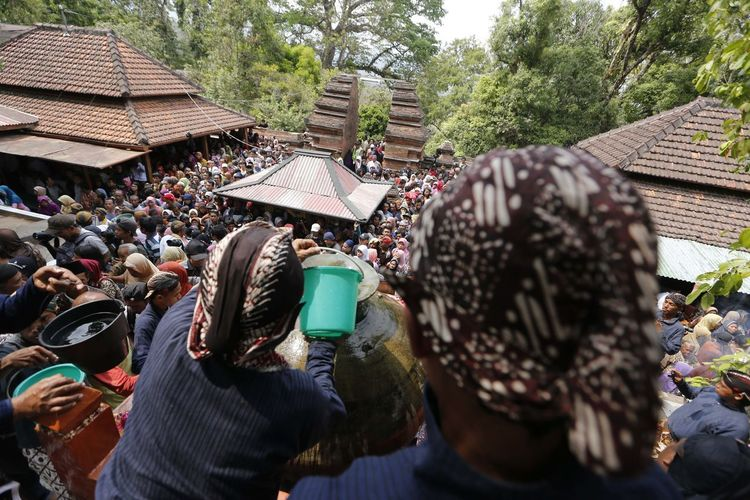 Water Blessing in Yogyakarta Java Tradition Water Blessing Yogyakarta Adult Adults Only Air Suci Architecture Crowd Day Kota Gede Large Group Of People Leisure Activity Lifestyles Men Outdoors People Real People Tree Women