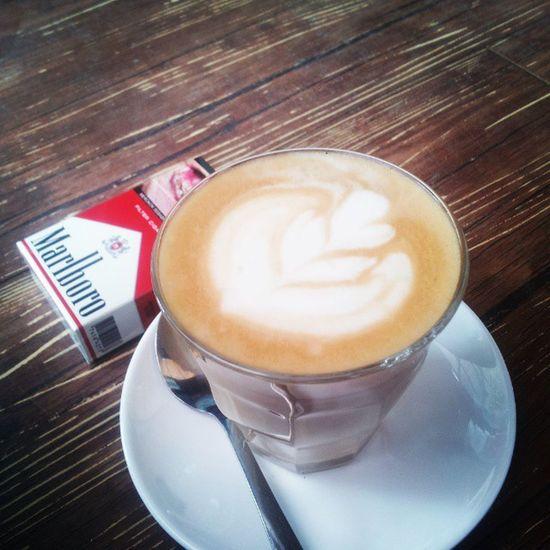 Best friend forever! Latte Lattearttoday Latteart Latteporn lattemonster marlboro cigarettes coffeesesh coffeegeek coffeeaddict coffeeholic baristadiary instabarista instacoffee instaphoto instaday instadaily anakkopi hobikopi espressoday espressoyourself bluemobycoffee