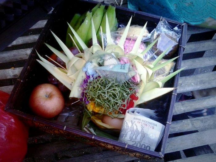 Balinese praying media