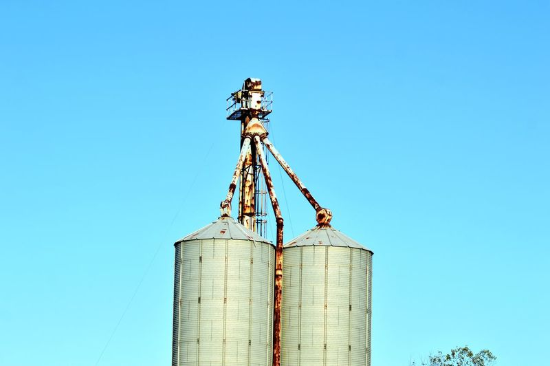 Kimsphotography Outdoors Nature EyeEm Selects Quality Blue Clear Sky Hanging Agriculture Sky Oil Pump Crude Oil Farmland Grid Drill Oil Field Natural Gas