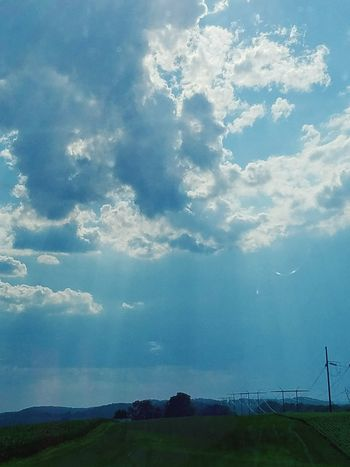 On my drive home....God shining his light down on me♡ Thank God its friday♡